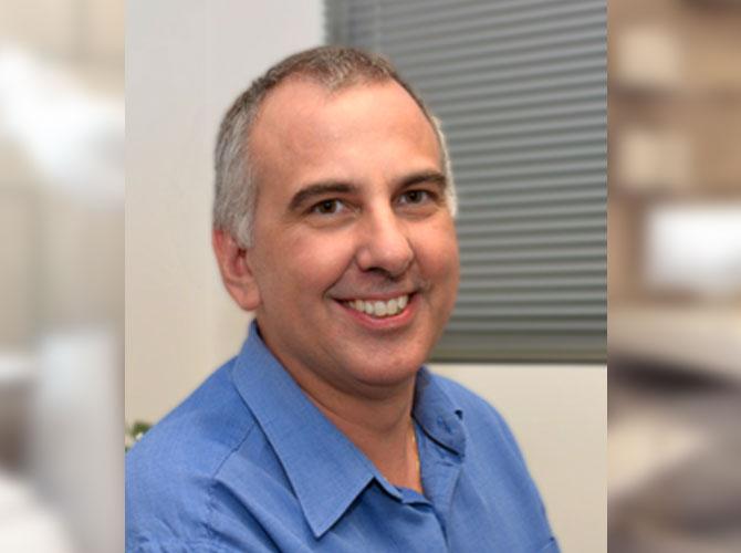 Dr David Martinelli