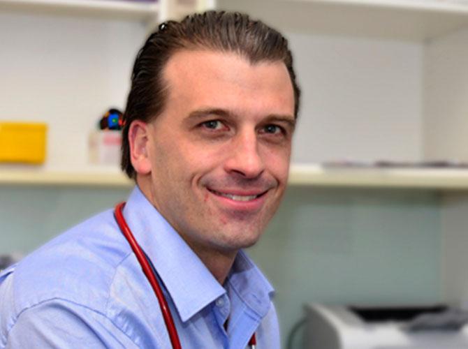 Dr Ian Stokes