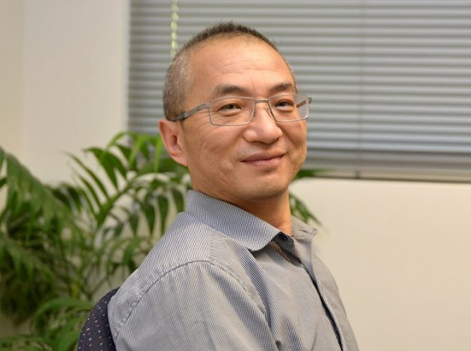 Dr James Jia